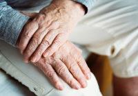 Mehr Sicherheit für Senioren durch digitalen Türspion.